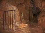 Erkundung der völlig untouristischen Höhle bei Agios Dimitrios (Peloponnes)