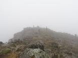 der Gipfel hüllt sich in Wolken