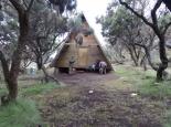 Hütte am Basislager (Mude Cave Camp)