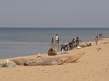 Dorfbevölkerung am Strand