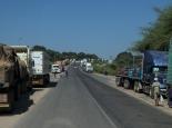 Warteschlange vor der Fähre nach Sambia