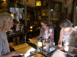 Essen in Joes Beerhouse ist Kult ...