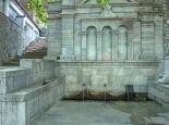 Dorfbrunnen in  Arna